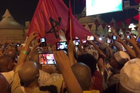 بالفيديو. مئات الحجاج المغاربة يخرجون للإحتجاج بالديار المقدسة!