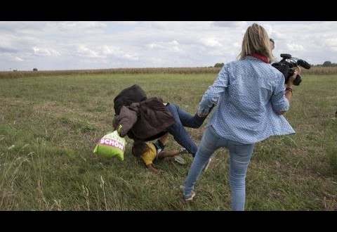 مصورة هنغارية تعرقل مهاجرا لتلقي الشرطة القبض عليه
