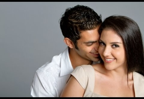 كيف تحافظين على الرومانسية مع زوجك بعد الولادة