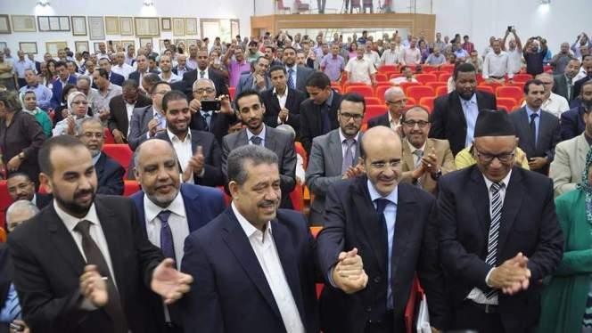 شباط يسلم السلطة للأزمي والأخير يعد بمستقبل زاهر لمدينة فاس