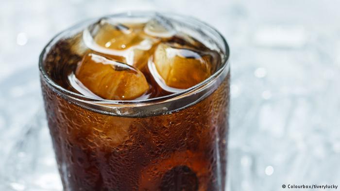 ما الذي يحدث لجسمك لو ابتعدت عن شرب الكولا؟