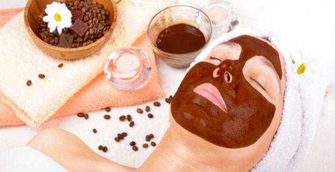 خدع رائعة لإستخدام بقايا القهوة لجمالك