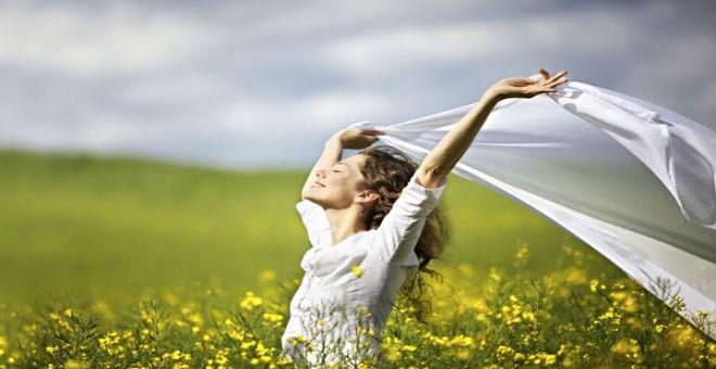 أخطاء ترتكبها المرأة خلال بحثها عن السعادة