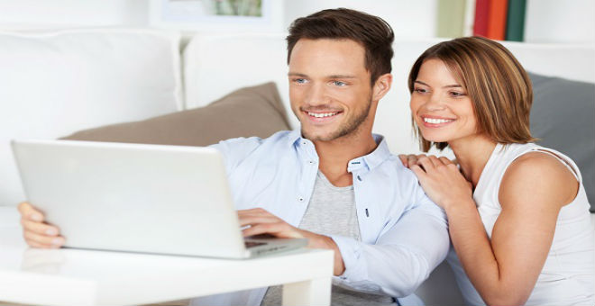 3 تصرفات على فيس بوك تهدد الزواج..احذروها