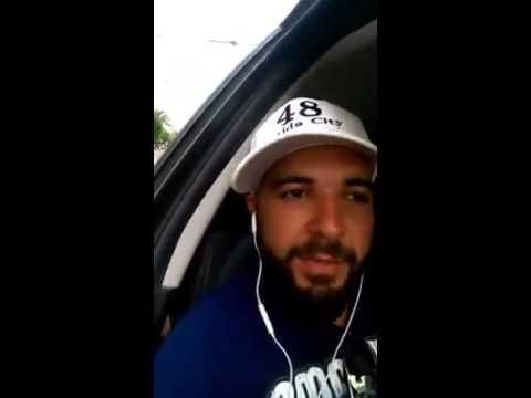 فيديو...صرصار طائر يصيب مذيعا بالرعب