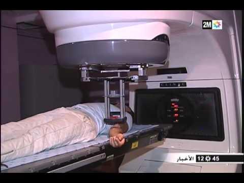 المطرب المغربي حاتم إدار يواجه إصابته بالسرطان بشجاعة