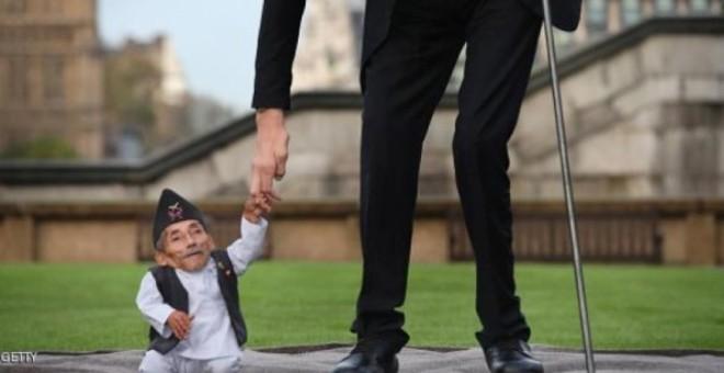 وفاة أقصر رجل في العالم