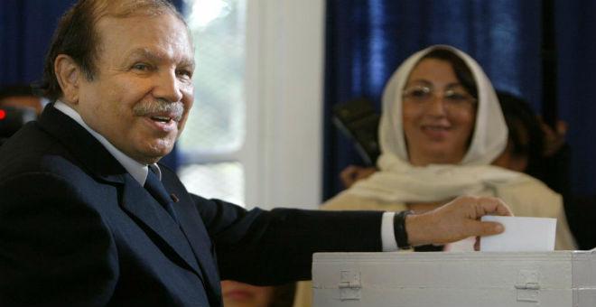 الجزائر: السلطة تريد دسترة ميثاق السلم والمصالحة