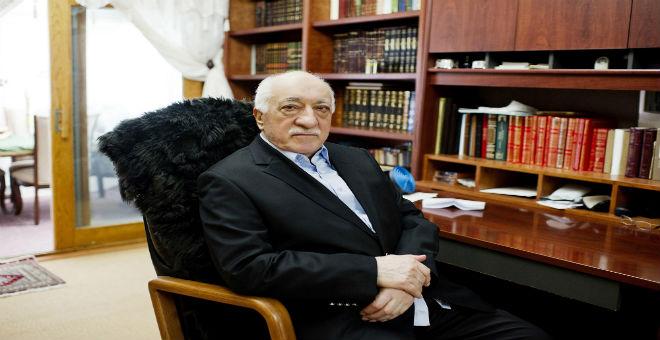 القضاء التركي يوجه تهمة الإرهاب إلى فتح الله غولن