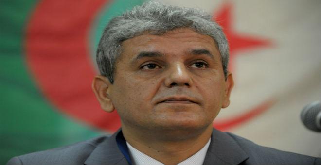 بلعباس: المؤسسة العسكرية بالجزائر تعيش خللا حقيقيا