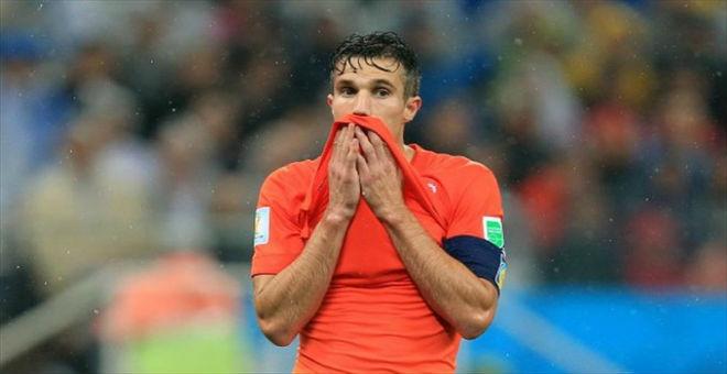 فان بيرسي يقر بصعوبة تأهل هولندا لأمم أوروبا 2016