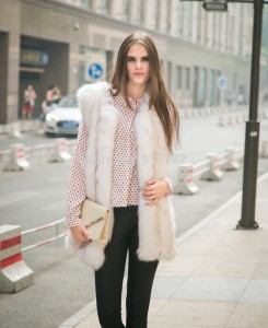 casaco-de-pele-New-Arrival-High-quality-fox-fur-patchwork-stripe-medium-long-vest-artificial-fur