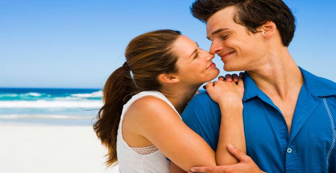 9 أسرار صغيرة لتحبي زوجك بذكاء