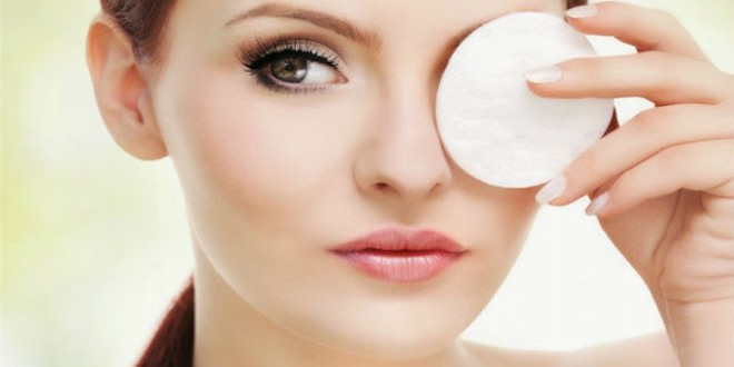 header_image_Article_Main_Image-_Fustany_-_beauty_-_makeup_-_How-to-Properly-Remove-Eye-Makeup1