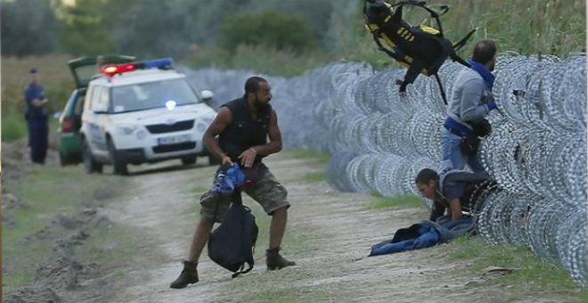 هنغاريا تشرع في استقبال اللاجئين بالرصاص