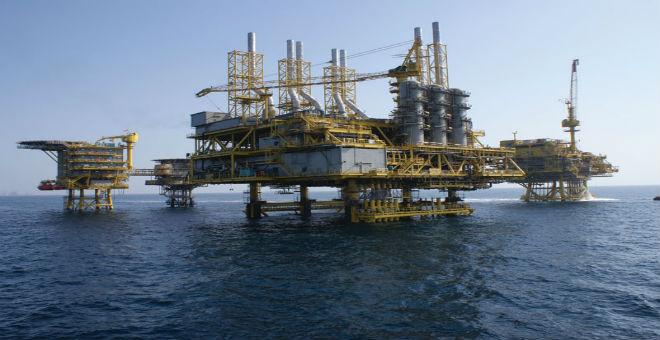 تقرير: نزول أسعار النفط إلى 20 دولار