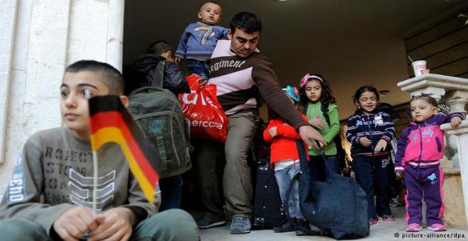 ميركل: اللاجئون سيغيرون ألمانيا