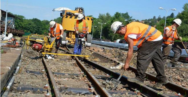 السكك الحديدية الفرنسية ''مدانة'' بسبب التمييز ضد العمال المغاربة