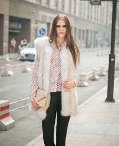 casaco-de-pele-New-Arrival-High-quality-fox-fur-patchwork-stripe-medium-long-vest-artificial-fur