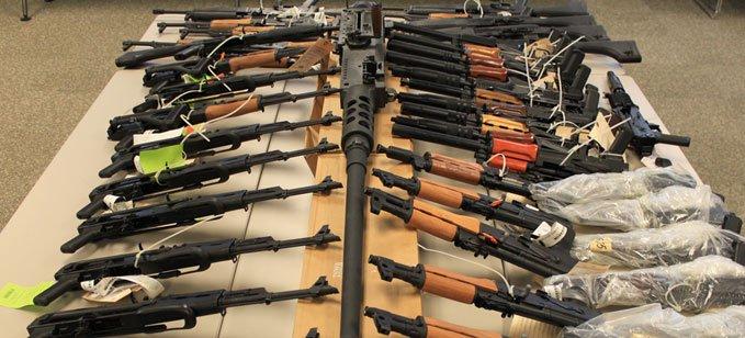قرار يلزم الجمارك بتحويل الأسلحة المحجوزة لديها للمؤسسات الأمنية