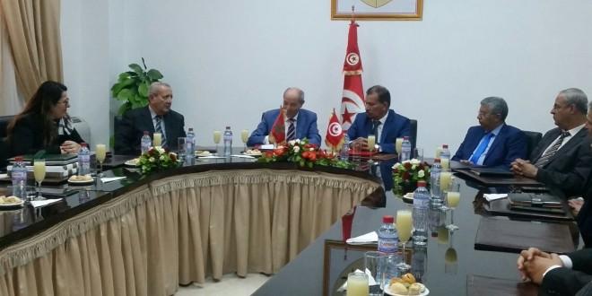 وزير التشغيل التونسي ونظيره المغربي يوقعان في تونس اتفاقية الضمان الاجتماعي
