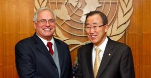 السيد بان كي مون، الأمين العام للأمم المتحدة، والسيد كريستوفر روس، مبعوثه إلى الصحراء
