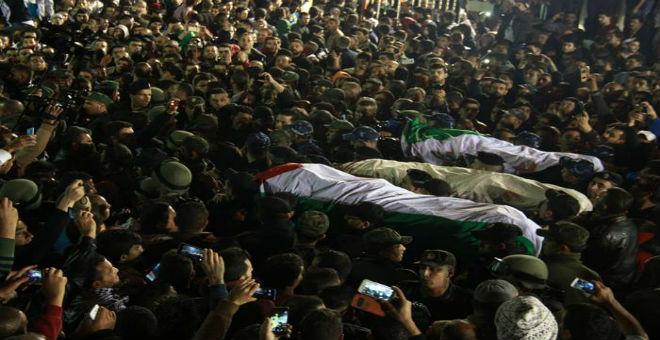 تسلم جثامين فلسطينيين