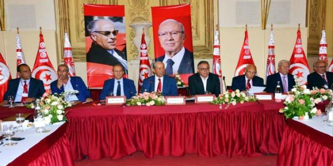 """جانب من قيادة حزب """"نداء تونس"""" قبل انفصال عدد من أعضائه"""