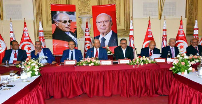 نائب تونسي: الأغلبية الصامتة هي التيار الثالث داخل