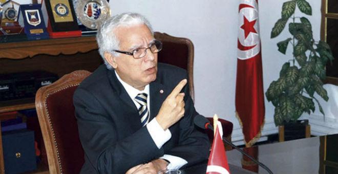 إقالة وزير العدل التونسي محمد صالح بن عيسى