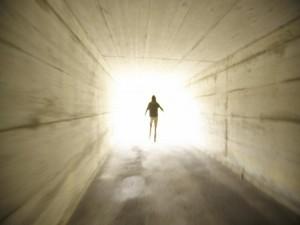 الركض نحو مصدر الضوء
