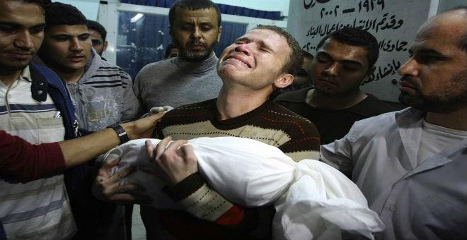 وفاة رضيع فلسطيني اختناقا بالغاز المسيل للدموع