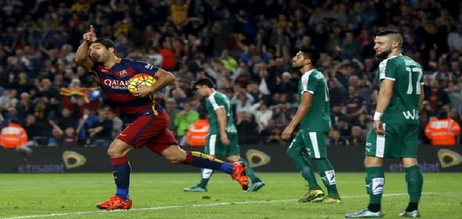 سواريز يقود برشلونة لفوز عريض على إيبار