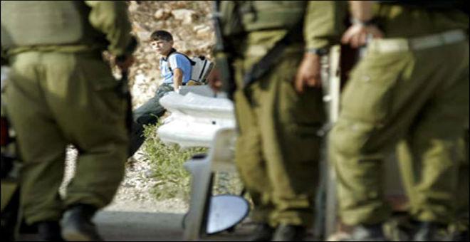 آخر هلوسات الاحتلال اعتقال طفل فلسطيني بحوزته مسطرة