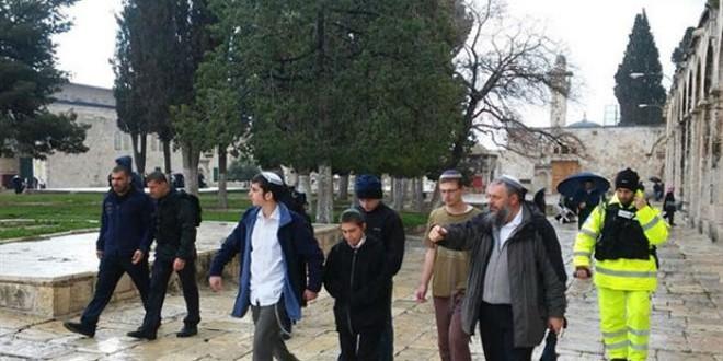 عشرات المستوطنين الإسرائيليين يقتحمون الأقصى (أرشيف)