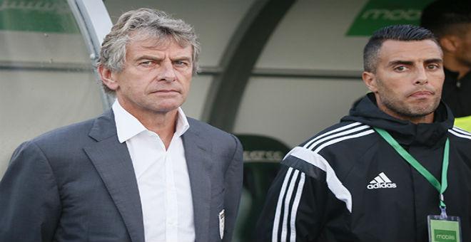 غوركوف مستمر في تدريب المنتخب الجزائري