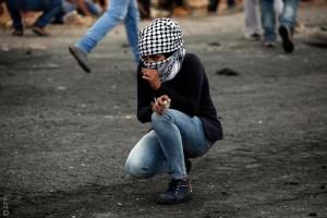فتاة فلسطينية في قلب الانتفاضة