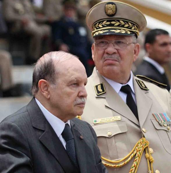 قائد الجيش والرئيس