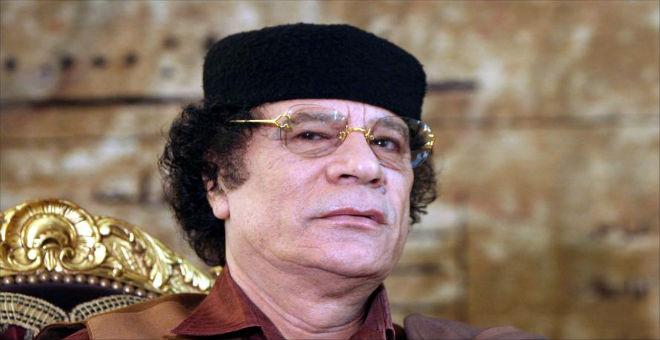 أحمد قذاف الدم يصف قتل معمر القذافي بجريمة حرب