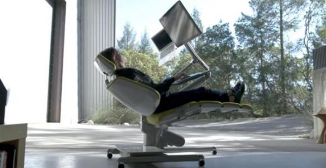 بالفيديو.. هذا المكتب هو حلم كلّ موظف