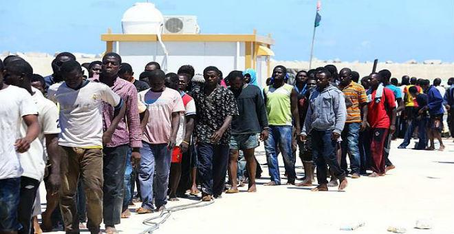 أوساط حقوقية تحذر من تردي أوضاع المهاجرين السريين في ليبيا