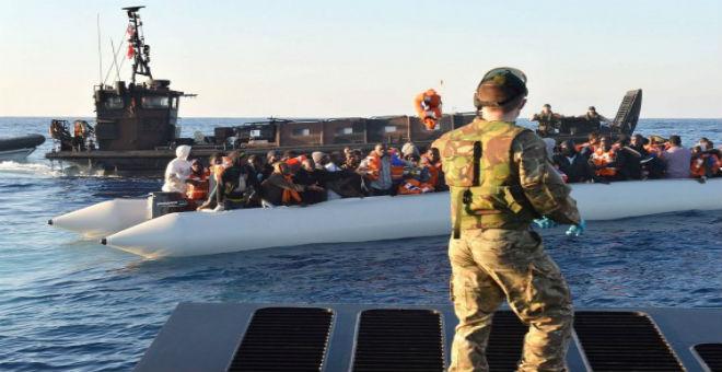 سفينة حربية بريطانية تلتحق بعملية «صوفيا» قبالة الساحل الليبي