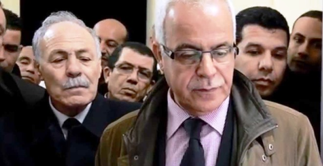 هل تفضل الجزائر غض الطرف عن قضية تفتيش وزير الاتصال؟