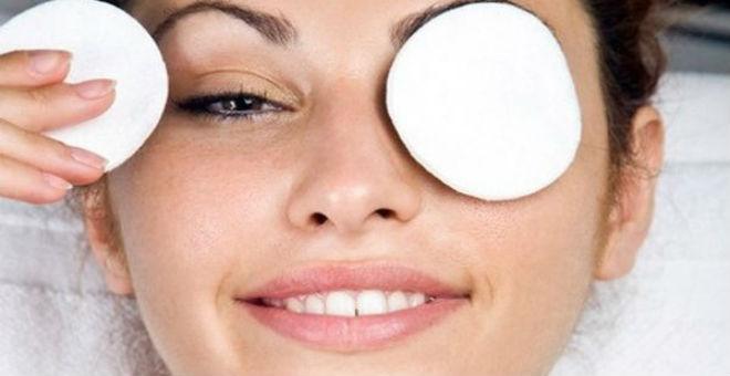 اصنعي كولاجين طبيعي لشد جفون العيون