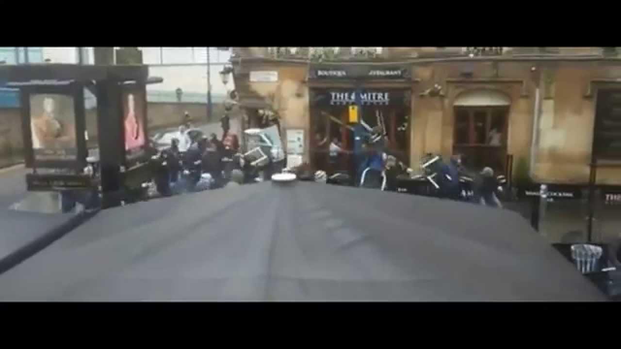 اشتباكات عنيفة بين جماهير السيتي وإشبيلية