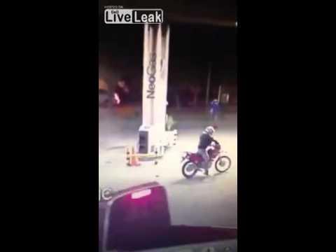 شاحنة تدهس لصوصا دفاعا عن ضحيّة