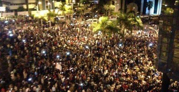 بالصور. في مسيرة الشموع ساكنة مدن الشمال تحتج ضد