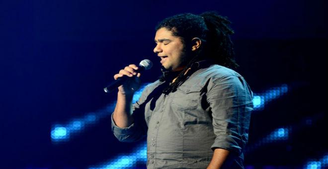 بالفيديو..فريد غنام يرفض غناء
