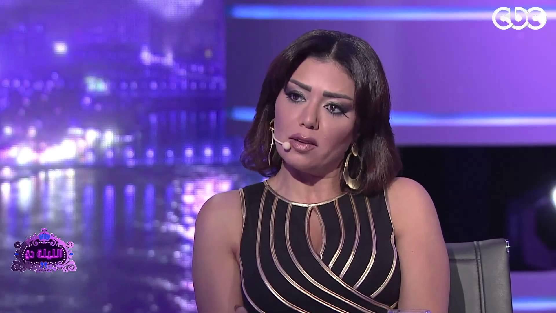 بالفيديو...رانيا يوسف تشن هجوما عنيفا على زينة !!