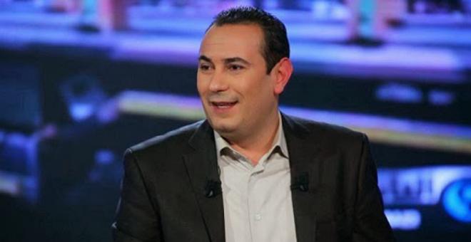 صحفي تونسي يفر إلى سويسرا ويهدد بكشف قتلة براهمي وبلعيد